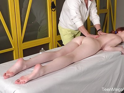 Ginger girl Lottie Magne allows not far from sink lubed anal opening